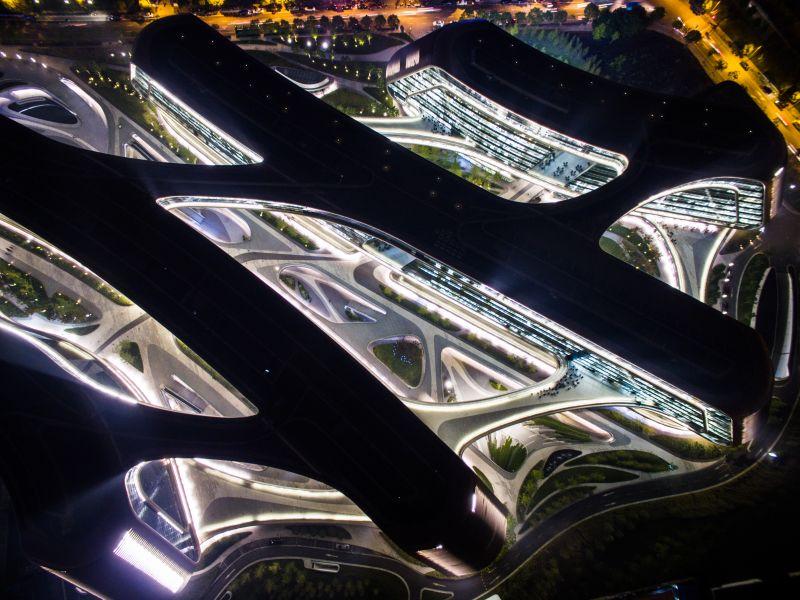 2015年11月02日,上海,上海虹桥地标性建筑凌空SOHO