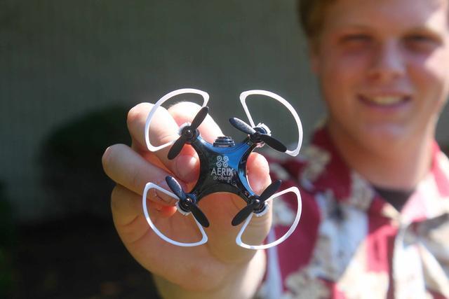 世界最小无人机能带你体验第一人称视角飞行