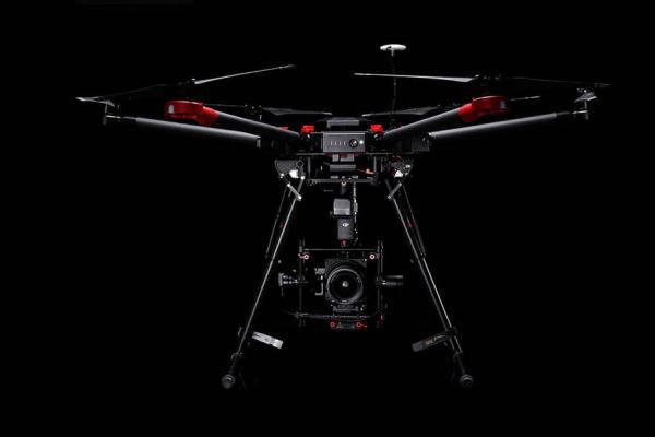 大疆与顶级相机品牌哈苏携手推出首款航拍套装